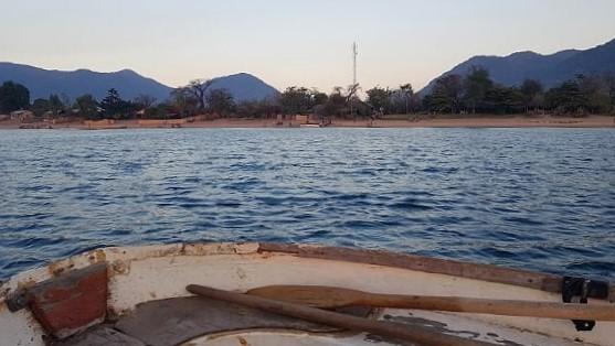 Uitzicht strand vanuit de boot