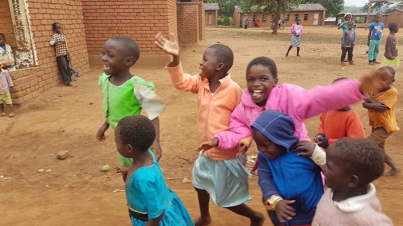 Kinderen vlakbij school